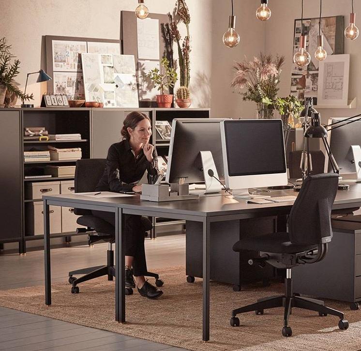Jakie meble i akcesoria wybrać do biura? Dobre samopoczucie warunkiem dobrze wykonanej pracy
